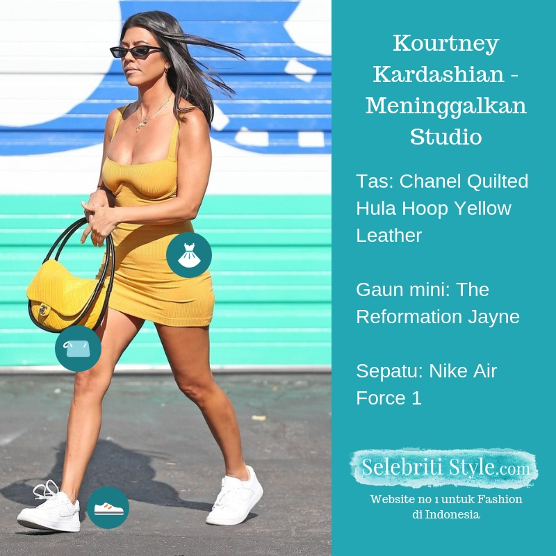 Highlight – Kourtney Kardashian – Meninggalkan Studio Memakai Gaun Mini The Reformation dan Tas Chanel